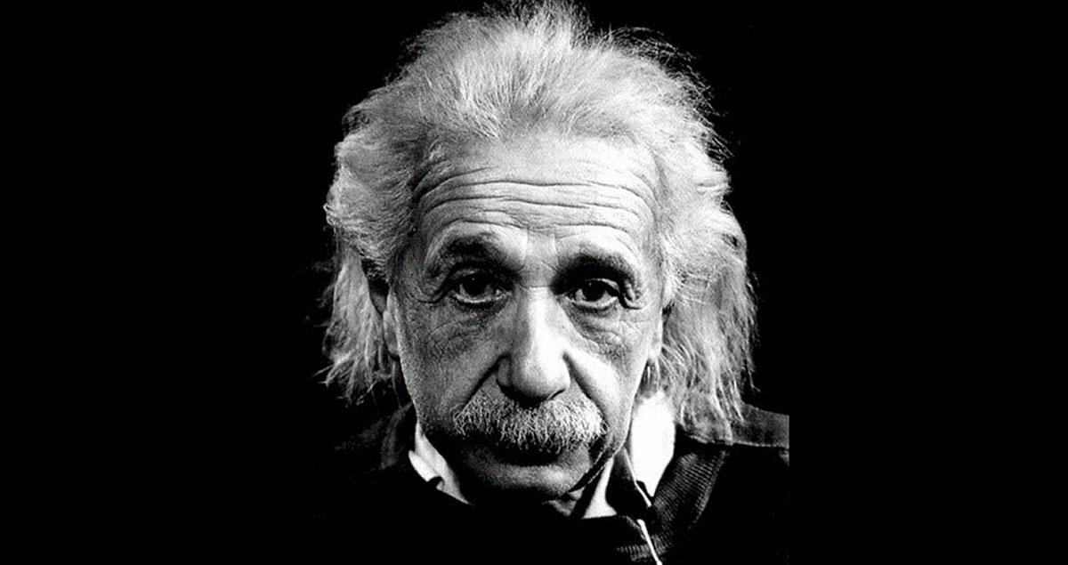 grayscale-albert-einstein1